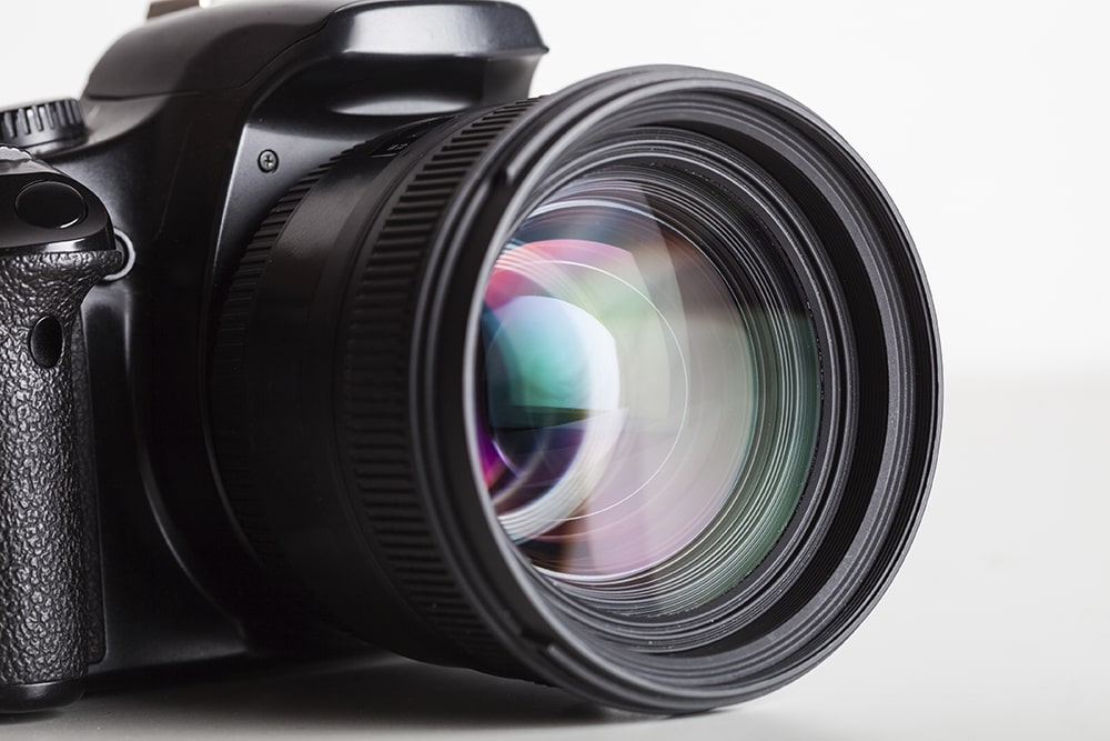 DSLR camera and LASIK for photographers removes eyeglasses from the mix.